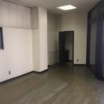 足立区事務所内壁解体撤去作業