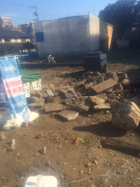 横浜庭石撤去