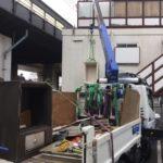 調布市大型金庫破壊解錠、階段降ろし作業