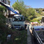 横須賀市庭石クレーン吊り上げ撤去作業